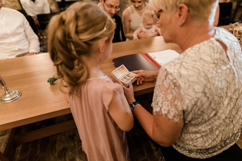 Tania-Flores-Hochzeitsfotograf-Siegburg-Museum-45